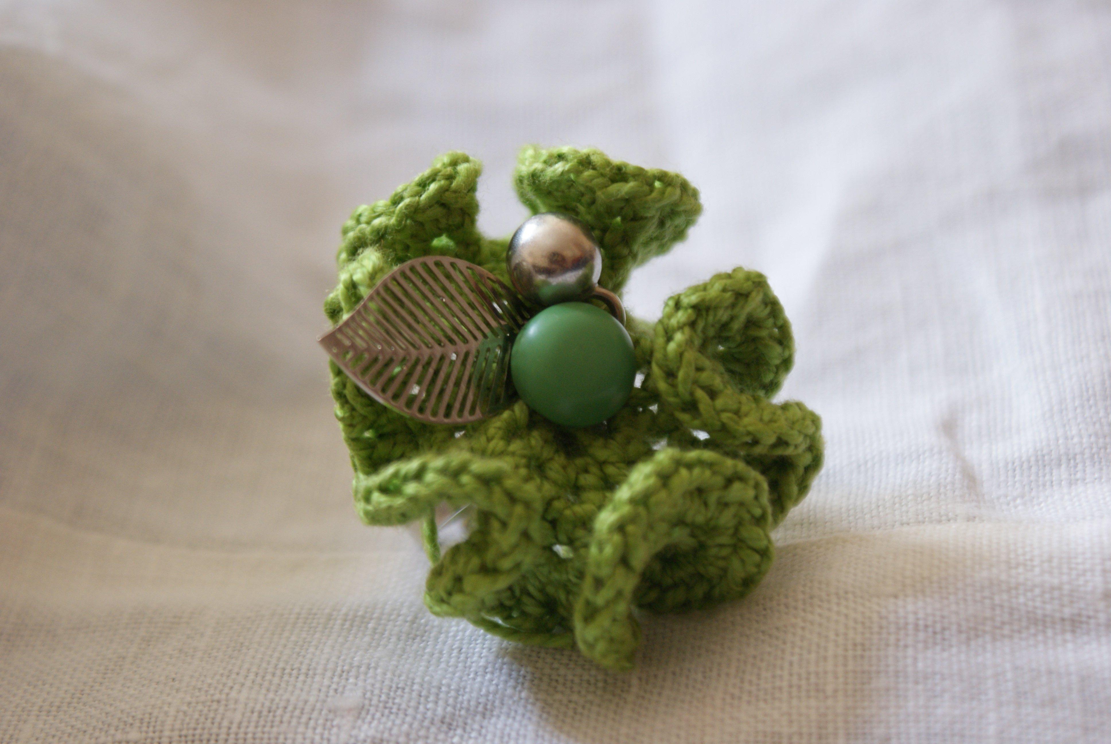 Tricot 13 juillet - bague fleur